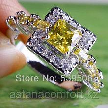 Серебрянное женское кольцо с Сапфирами.