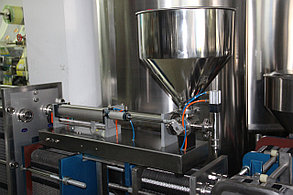 Оборудование для розлива густых, пастообразный продуктов (майонез, кетчуп и т.д.), 1 головка 1 л, с ножкой, фото 3