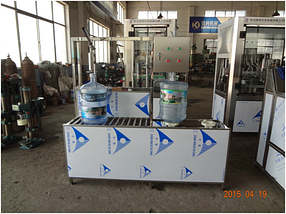 Аппарат розлива воды 19 л. 60-80 бут/ч  Китай