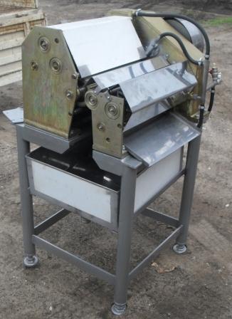 Машина универсальная для обработки кишок