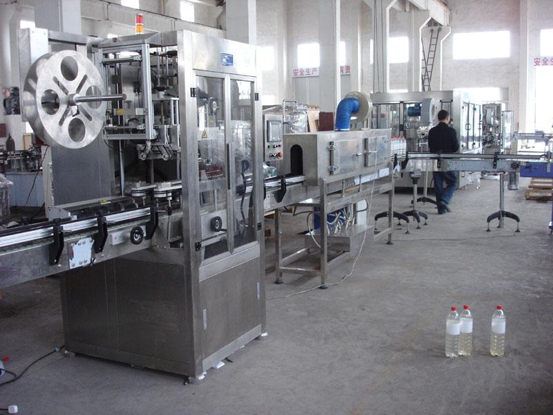 Автоматическая этикетировочная машина ПВХ (поливинилхлорид) этикетки, производительностью  100-200 бут/мин