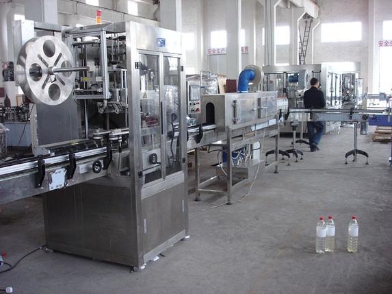 Автоматическая этикетировочная машина ПВХ (поливинилхлорид) этикетки, производительностью  100-200 бут/мин, фото 2