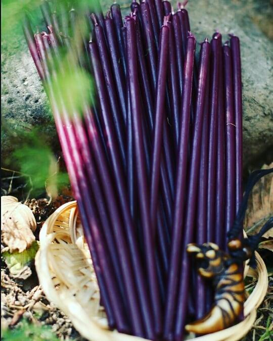 Свеча восковая Фиолетовая