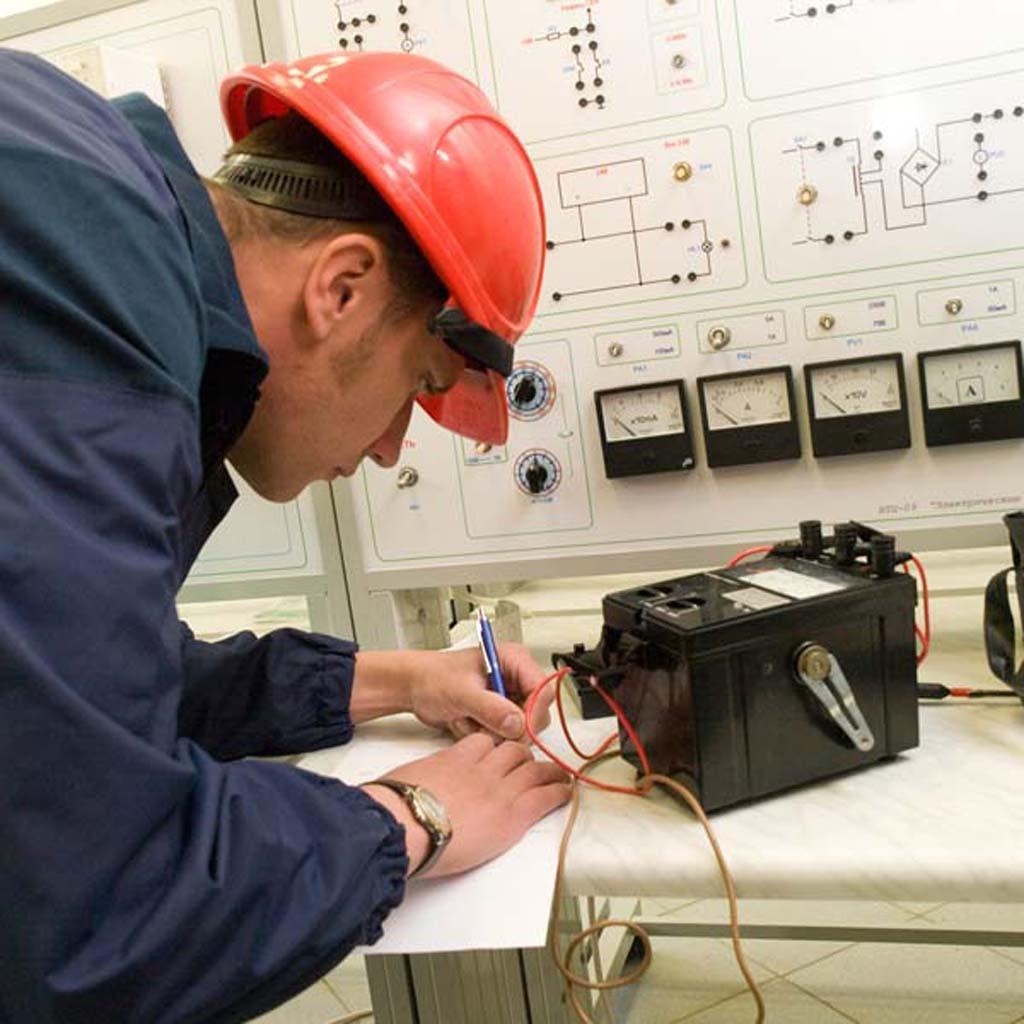 Ремонт электрооборудования ( Список  услуг большой Звоните узнавайте )