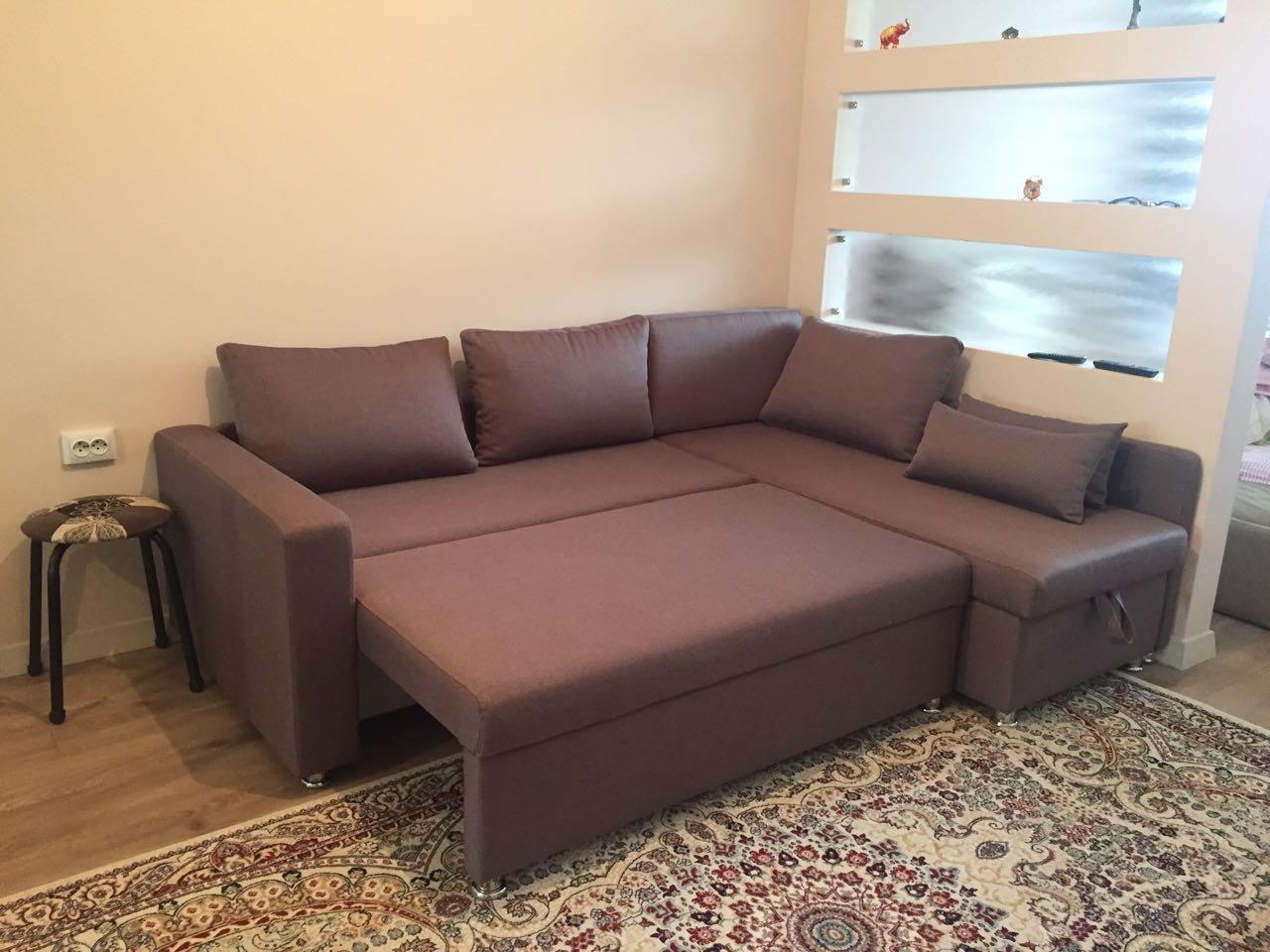 Угловой диван 240*160см
