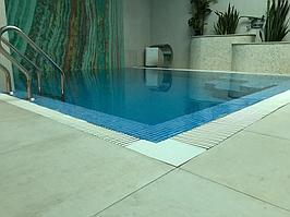 """Переливной бассейн. Размер = 2,8 х 2,9 х 1,7 м. Адрес: к.г. """"ЭДЕЛЬВЕЙС"""". 7"""