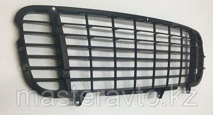 Решетка в бампер центр TURBO Porsche Cayenne 957 07-10 NEW