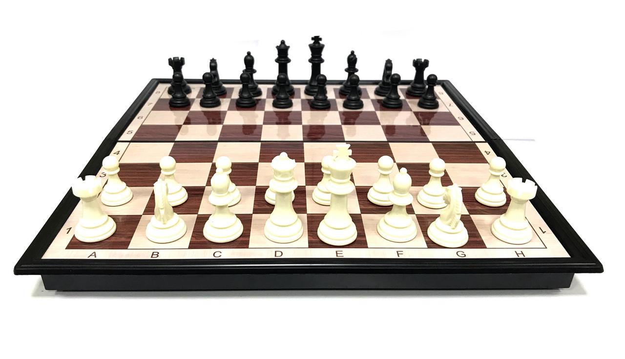 Шахматы  (36см х 36см) магнитный