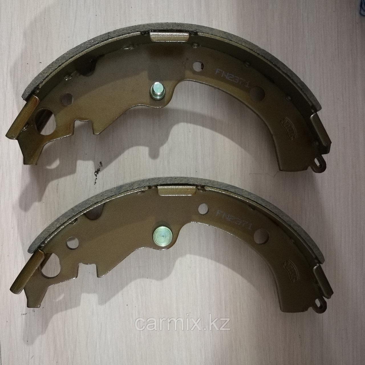 Тормозные колодки задние барабанные RAV4 ACA21