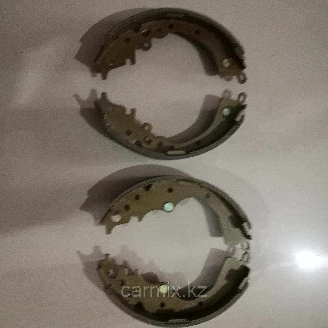 Тормозные колодки задние барабанные HIACE TRH223 2004-2010