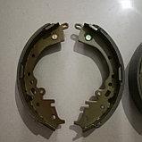Тормозные колодки задние барабанные HIACE TRH223 2004-2010, фото 2