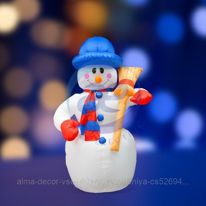 """3D фигура надувная """"Снеговик с метлой"""", размер 180 см, внутренняя подсветка 4 лампы, компрессор с адаптером"""