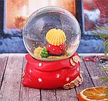 "Сувенир снежный шар ""Богатейка. Домовенок с метлой"", d=8 см, фото 2"