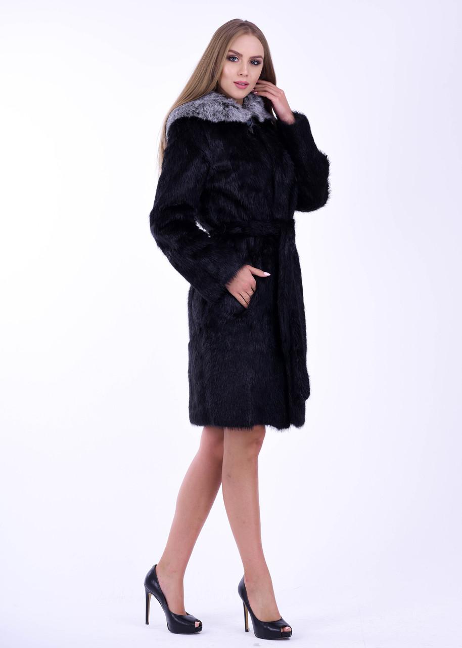 Черная женская шуба из нутрии с меховой опушкой на капюшоне - фото 2