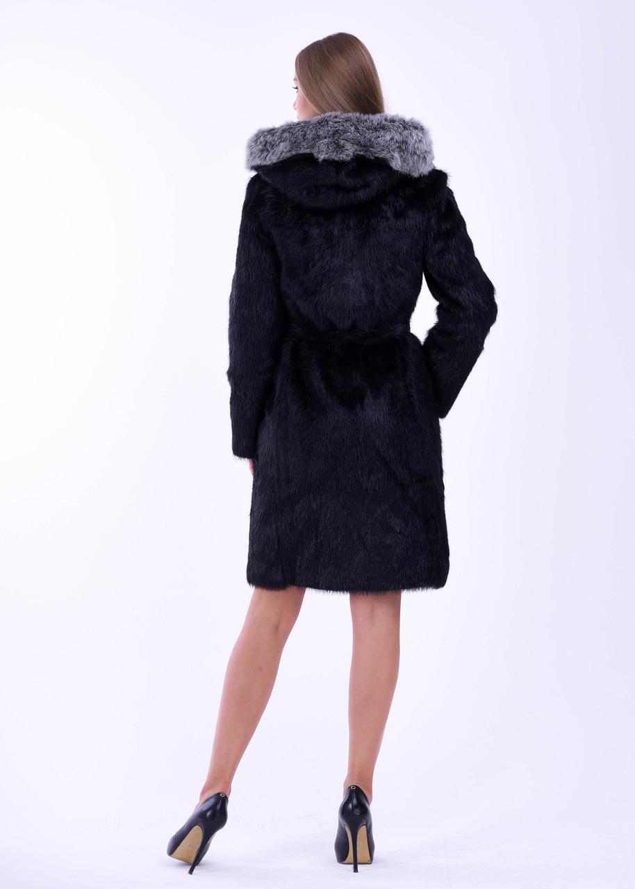 Черная женская шуба из нутрии с меховой опушкой на капюшоне - фото 3