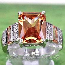 Серебрянное женское кольцо с Морганитом.