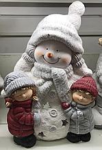 Снеговик с ребятишками