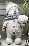 Снеговик со снежком