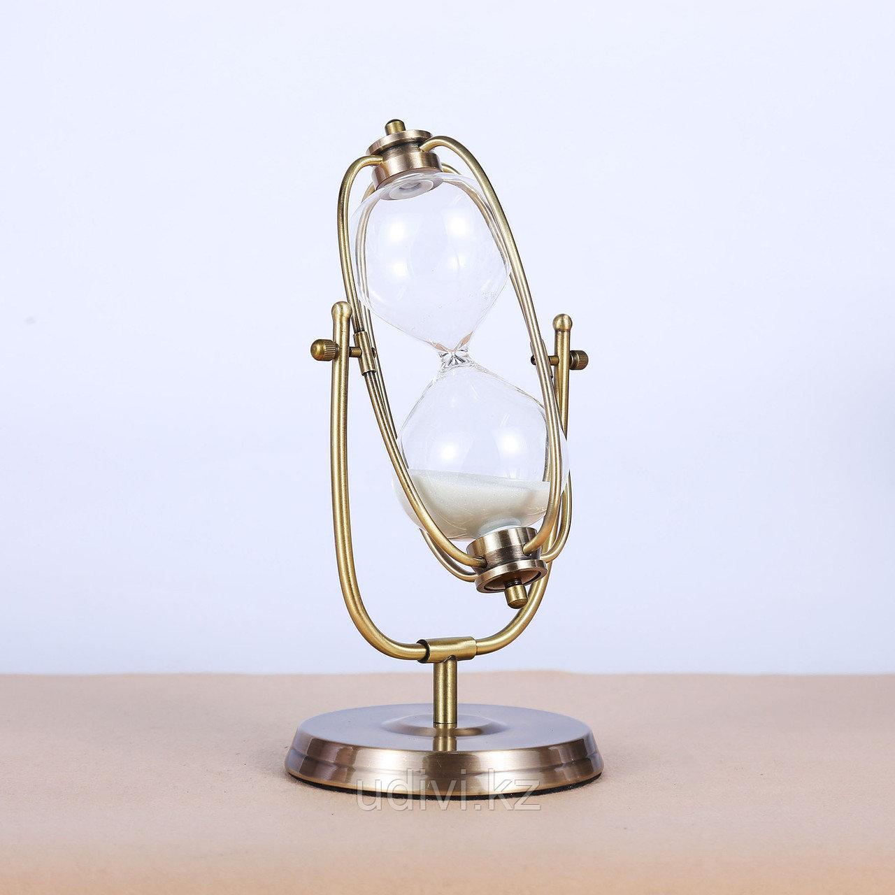 Песочные часы в металлической оправе 30 мин.