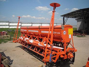 Сеялка  зернотуковая СЗФ-5400-04 Favorit