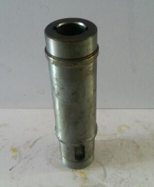 Приводной вал рулевого гидронасоса шпоночное соединение ZL40A.30-17