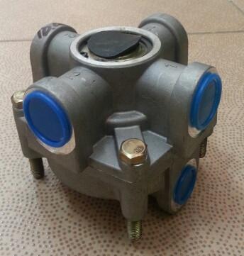 Клапан распределительный тормозной системы DZ93189360033