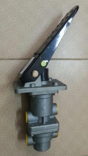 Кран тормозной подпедальный CAMC 3514AD-010