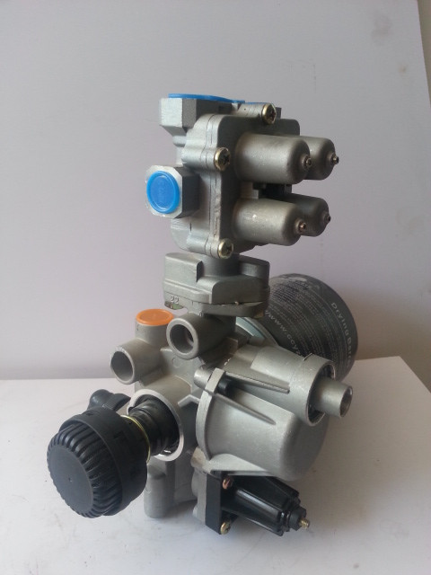 Кронштейн фильтра осушителя в сб. WABCO DONGFENG  3543ZD2A-001