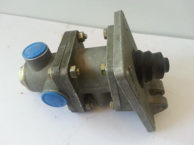 Главный тормозной кран (ножной) 800901158 ZL50G,LW300F, LW500F