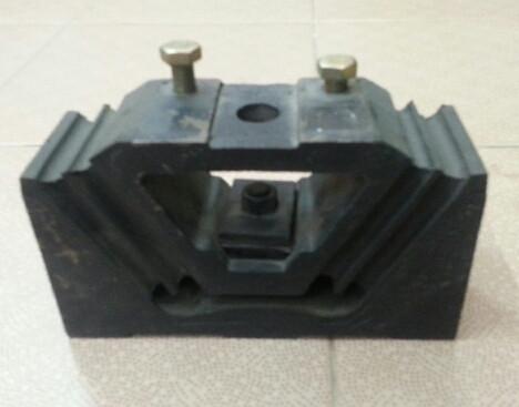 Подушка крепления двигателя  HOWO A7 WG9725592031