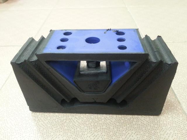 Подушка крепления двигателя  (208x119x70) AZ9725590031