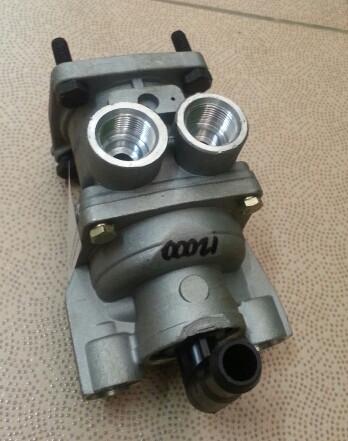 Главный тормозной кран WG9000360520/2  HOWO ЕВРО3