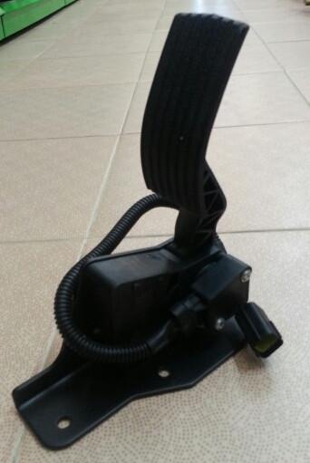 Педаль газа электронная в сборе HOWO A7 D12 WG9925570001