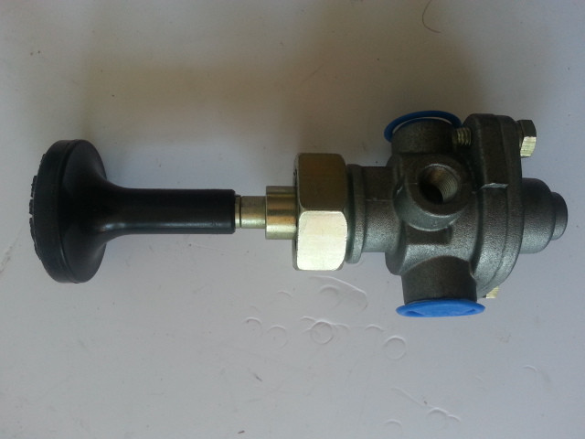 Кран ручного тормоза (в кабину)  ZL50G  SL411