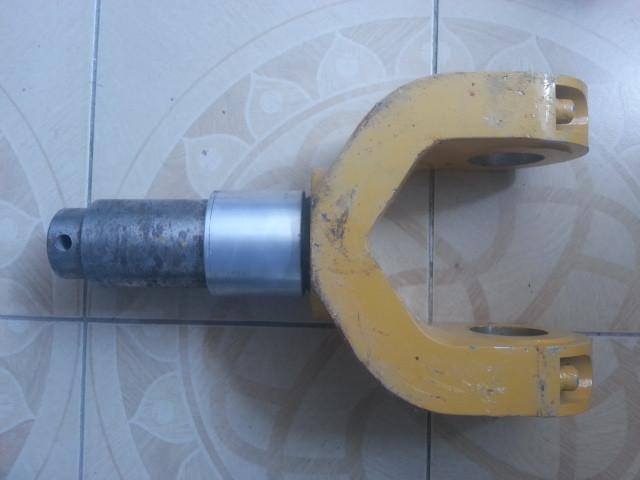 Кронштейн крепления гидроцилиндра грейдера XCMG  PY180G.13.1-1