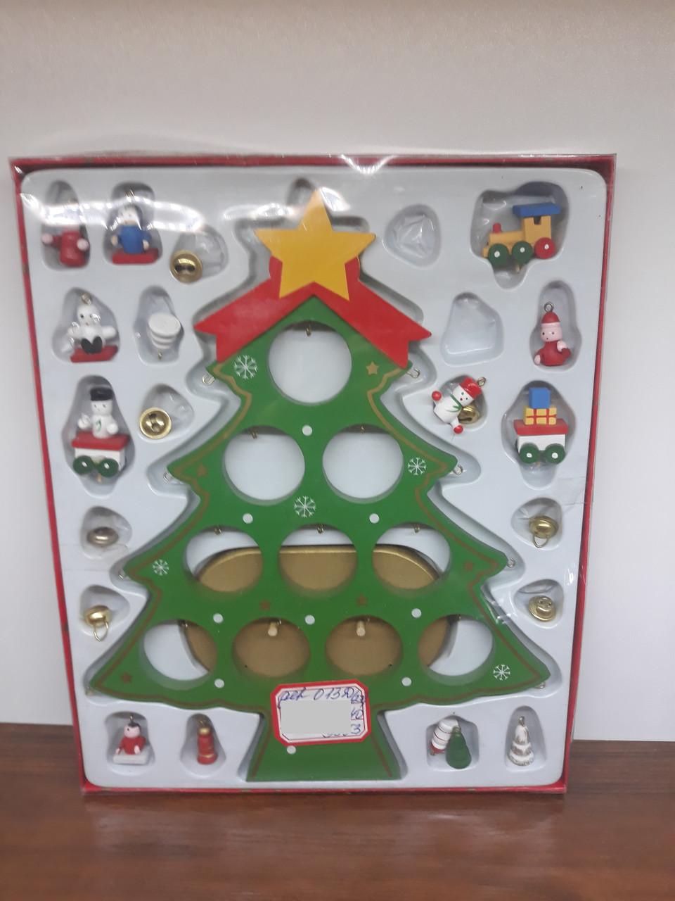 Деревянная ёлочка с игрушками СНГ0050