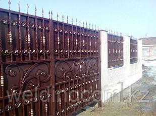 Распашные ворота кованые