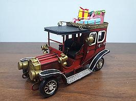 Машинка с подарками СНГ0205