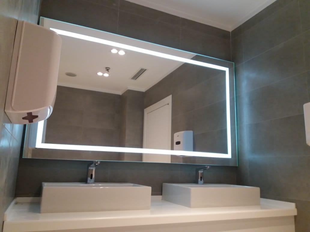 Зеркало с LED-подсветкой и пескоструйным рисунком, 1600(Ш)х800(В)