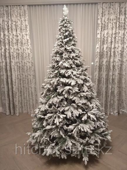 Заснеженная новогодняя елка премиум класса с литой хвоей Сибирь Голд