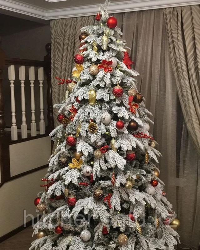 Заснеженная новогодняя елка с литой хвоей покрытой 3D снегом Сибирь Платинум