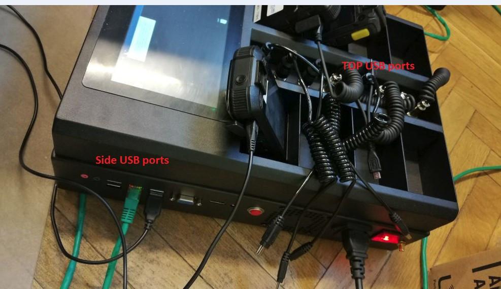 ДокСтанция заряда и скачивания информации, .на 8 камер с дисплеем