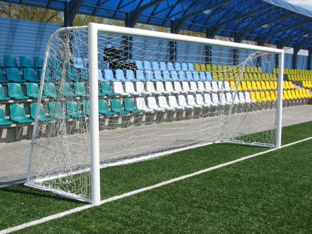 Ворота футбольные с вертикальными задними стойками