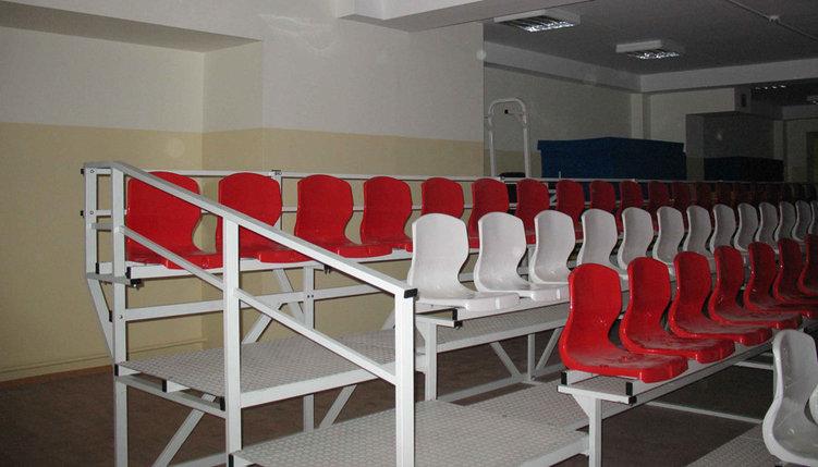 Пластиковые кресла для трибун с высокой спинкой, фото 2