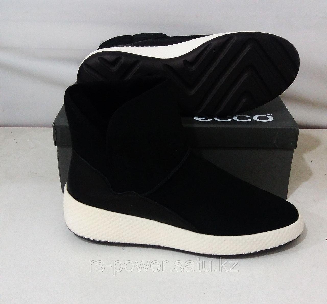 Зимние кроссовки Ecco