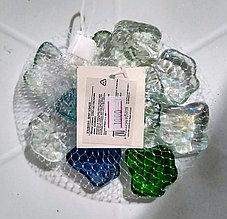 """Декоративные, стеклянные камушки, полупрозрачные, разноцветные """"Кленовые листочки""""."""