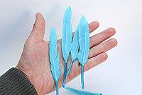 Перья натуральные для декора, голубые, 13 см