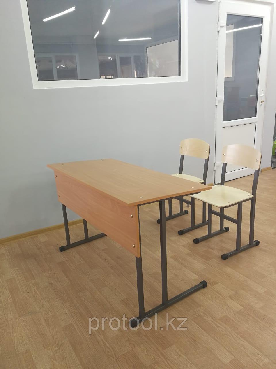 Комплект: парта двухместная и два стула