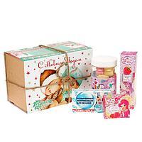 Новогодний набор «Маленькая леди»: бальзам для губ, душистая вода, бурлящие сердечки, мыло