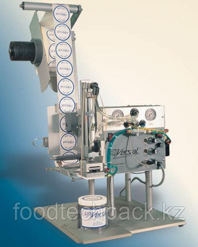Полуавтоматическая машина для нанесения самоклеящихся этикеток на провод и другие тонкие предметы